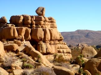 joshua tree balancing rock