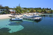 west end Roatan, roatan touristy