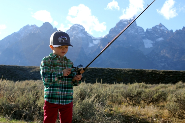 tetons fishing, moose beach, wyoming fishing, wyoming skyline, family fishing, tetons family hike